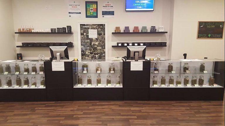 oregon cannabis dispensary top shelf budz interior display